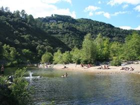 Camping Les Châtaigniers in 07260 Ribes