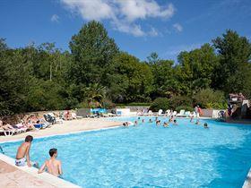 Tohapi camping aqua viva in sarlat dordogne camping for Piscine embrun